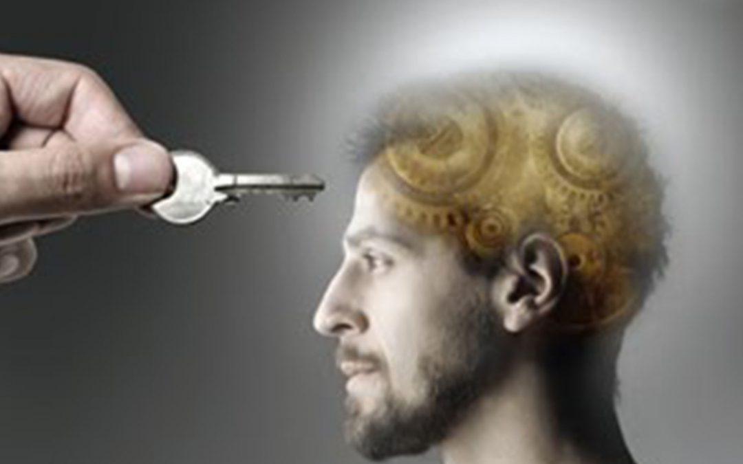 ¿La autobservación es un acto consciente que surge de la atención intencionada?